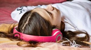 ¿Cómo afecta la música triste a nuestro cerebro?