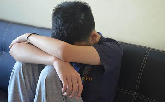 Las personas más jóvenes también son vulnerables si se encuentran aislados