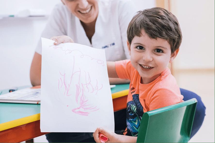 niño con TEA neural formacion